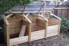 Covered compost bin